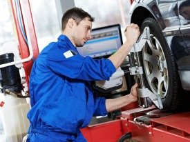 Auto Mechanic at work. Image credit:  http://professionalexhaust.com.au